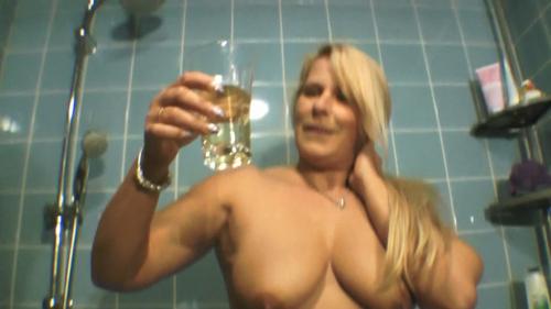 3 Gläser voll Pisse für dich
