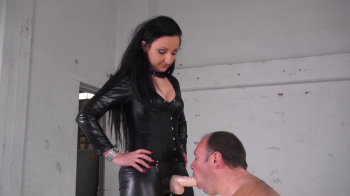 Lady Luciana - Mein Strapon Sklave - Part 1