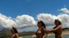 4 Girls Nackt im Meer