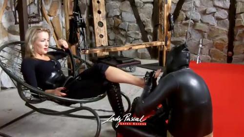 Lady Pascal - Fussmassage unter erschwerten Bedingungen
