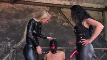Lady Luciana - The slave with red lips