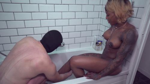 Mistress Kiana - Wash your Mistress
