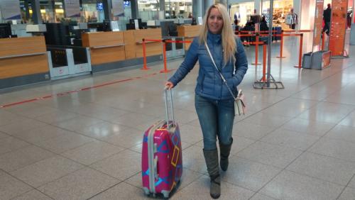 Mitten im Flughafen gefickt
