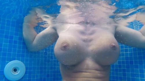 2 Lesben unter Wasser gefilmt