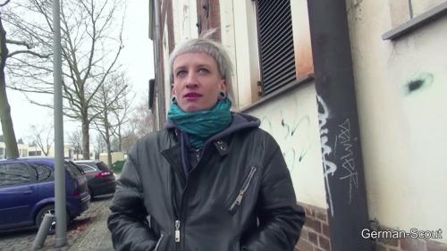Punk Teeny Luna Ohne Gummi Gefickt Teil 1
