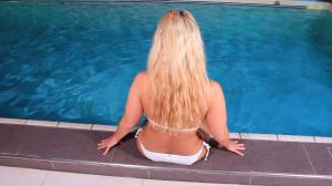 Public Fick im Schwimmbad, riskanter Fick am Beckenrand