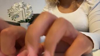 ASMR (ohne Stimme) für Sklaven. Meine Fingernägel geben den Ton!