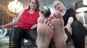 Stiefel- und Füßeschnüffler aufgepasst No210