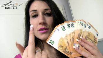 Zahlnutte! Ich bin dein finanzieller Ruin