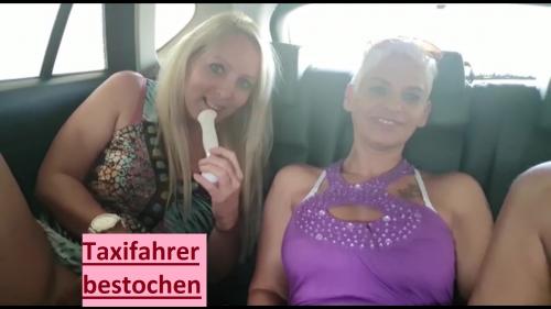 Heiße Lesbenküsse und zwei Fotzen für den Taxifahrer