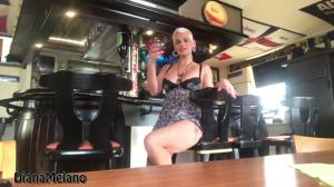 Teil1 Strippen und Dildo Fick in der Bar ( Pu